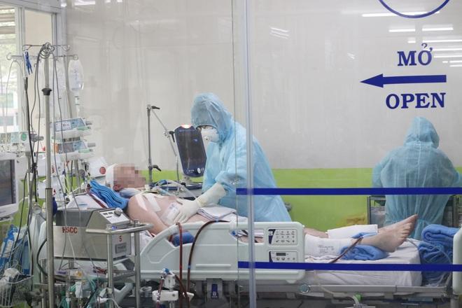 Bệnh nhân 19 được xuất viện, bệnh nhân số 91 phi công người Anh đã tỉnh táo hoàn toàn - Ảnh 1.