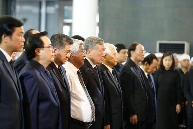 Chủ tịch QH Nguyễn Thị Kim Ngân, Thủ tướng Nguyễn Xuân Phúc tiễn biệt ông Vũ Mão - Ảnh 11.