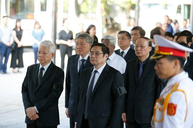Chủ tịch QH Nguyễn Thị Kim Ngân, Thủ tướng Nguyễn Xuân Phúc tiễn biệt ông Vũ Mão - Ảnh 10.