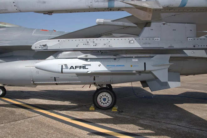 Từ bài học tập kích tên lửa Syria, Mỹ phát triển siêu vũ khí xuyên thủng PK Nga - Trung? - Ảnh 7.