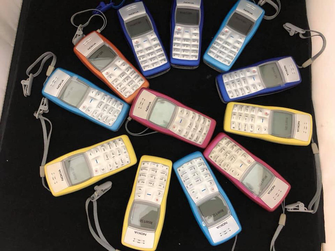Bán chạy hơn cả iPhone, chiếc điện thoại pin trâu 1 tuần có giá 500.000 đồng - Ảnh 2.