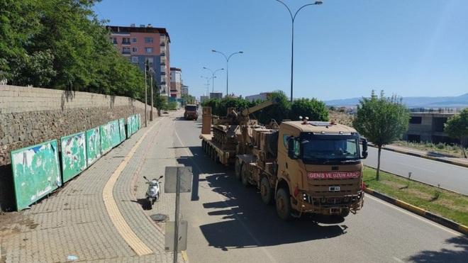 Mỹ - Thổ đứng sau giật dây, Quân đội Syria bị đánh tới tấp: Tham vọng của Nga khó thành - Ảnh 2.