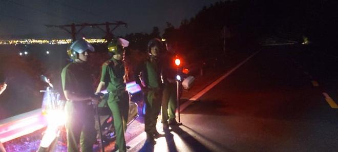 Trắng đêm truy bắt trên núi Hải Vân, kẻ vượt tù quân sự vẫn đang lẩn trốn - Ảnh 5.