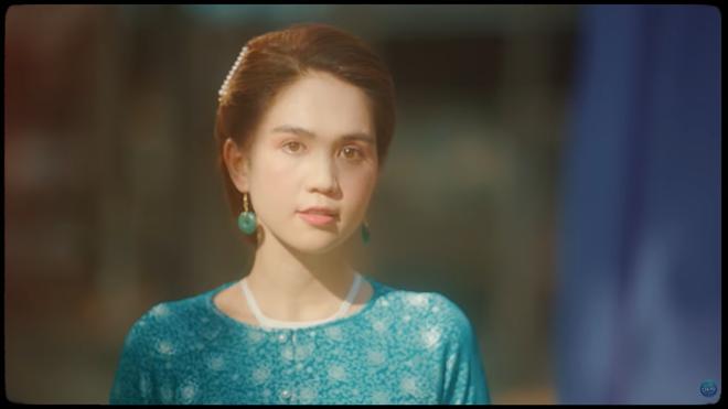 Mời Ngọc Trinh vào MV mới: Giải mã sự khôn ngoan và đầy toan tính của Chi Pu - Ảnh 10.