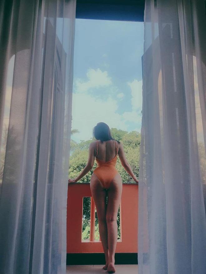 Lý Phương Châu tung loạt ảnh bikini nóng bỏng do bạn trai chụp - Ảnh 4.