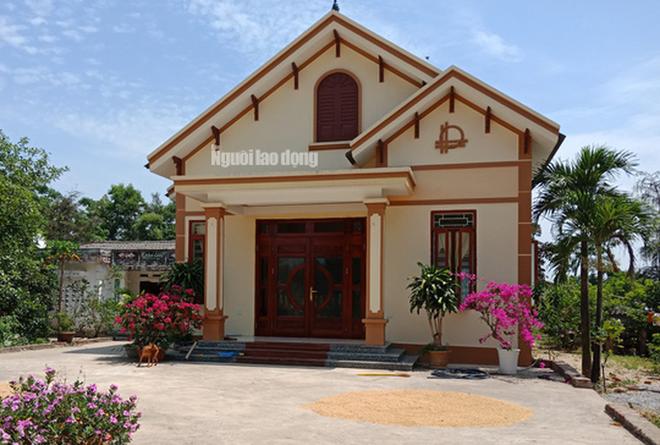 Ngỡ ngàng ngắm những căn nhà của 12 hộ cận nghèo ở Thanh Hóa - Ảnh 2.