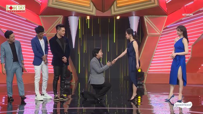 Bị Hòa Minzy hối thúc, Trường Giang cúi đầu xin lỗi - Ảnh 5.