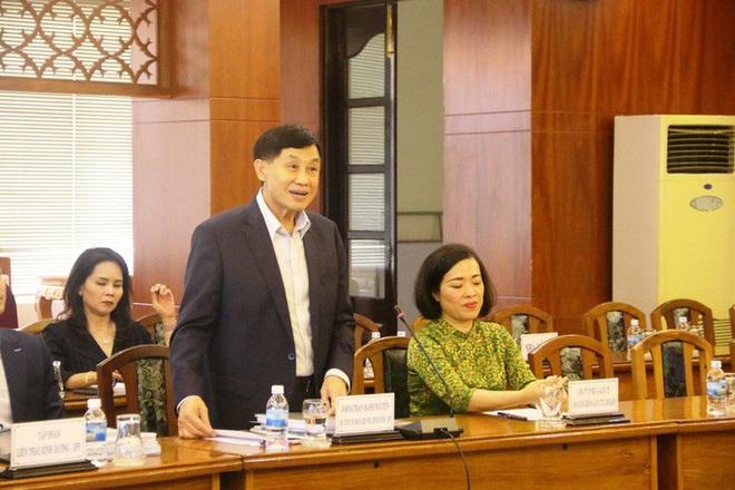 Tỉ phú Johnathan Hạnh Nguyễn xin đầu tư vào Bắc Vân Phong  - Ảnh 1.