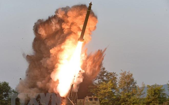 """Hàn Quốc phản ứng với cảnh báo """"vũ khí chiến lược mới"""" của Triều Tiên"""