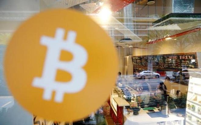 Bitcoin lao dốc