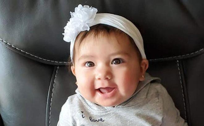 Bé gái 10 tháng tuổi bị bạn trai của mẹ nhét vào ba lô kéo khóa kín và nhốt trong ô tô 5 giờ đồng hồ