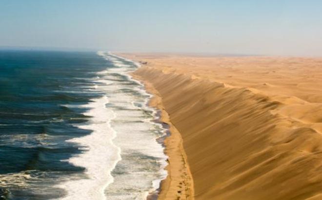 Những vòng tròn kỳ bí trong sa mạc Namib