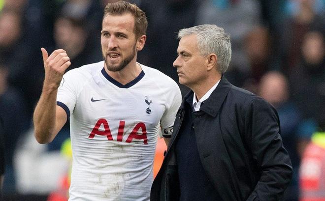"""Mourinho """"hù dọa"""" người Anh"""