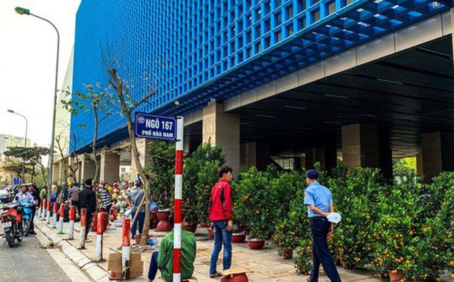 Cận cảnh nhà ga đường sắt Cát Linh - Hà Đông thành chợ cây cảnh