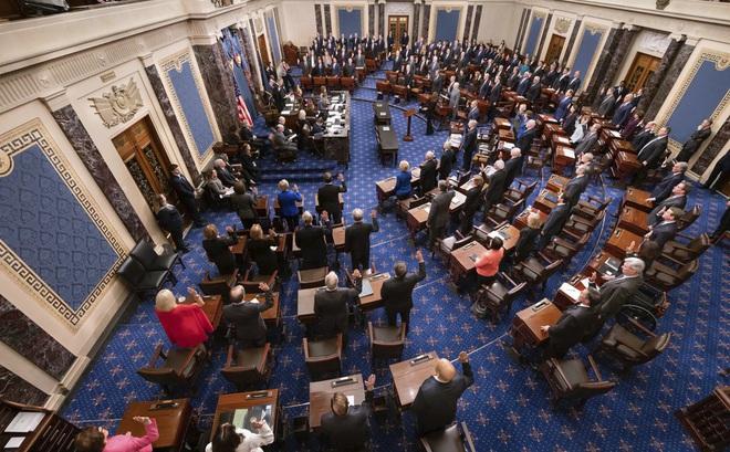 Luận tội ông Trump: Thượng nghị sĩ tuyên thệ trước phiên toà lịch sử