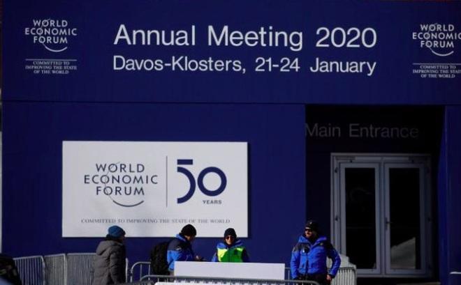 Người biểu tình đi bộ đến Davos, Thuỵ Sĩ huy động lực lượng lớn bảo vệ ông Trump