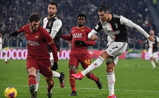 Phá lưới AS Roma, Ronaldo được CĐV gọi là... GOAT