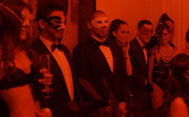Thế giới trụy lạc của câu lạc bộ sex xa xỉ nhất hành tinh với người tham dự đều là những đại gia lắm tiền, nhiều của