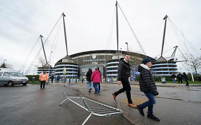 CHÍNH THỨC: Trận Man City - West Ham bị hoãn do thời tiết