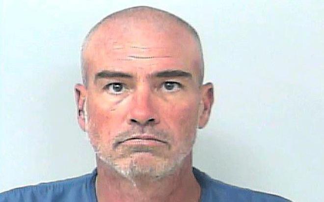 Người đàn ông 47 tuổi giết bạn trai 95 tuổi của người yêu cũ tại viện dưỡng lão