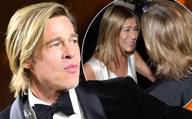 """Sau cuộc chạm mặt """"lich sử"""", Jennifer Aniston lại bí mật gặp gỡ chúc mừng Brad Pitt dù không có lịch trình tại Oscar năm nay"""