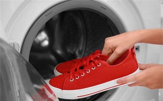 Những món đồ tuyệt đối không nên cho vào máy giặt nhiều người vẫn mắc phải