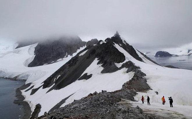 Nhiệt độ Châu Nam Cực ở mức cao kỷ lục, băng tan ở khắp nơi
