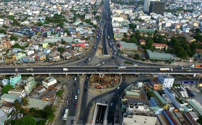 Cận cảnh nút giao thông 3 tầng giải tỏa kẹt xe cửa ngõ Sài Gòn sắp hoàn thành
