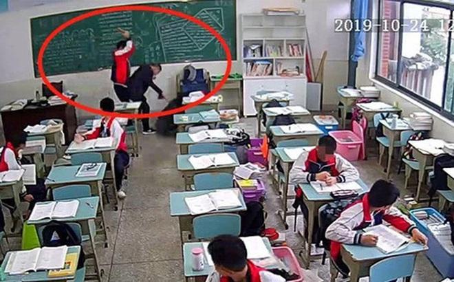 Thầy giáo 30 tuổi trong vụ bị học sinh 15 tuổi đánh bằng gạch sau hơn 3 tháng nằm viện đã tử vong
