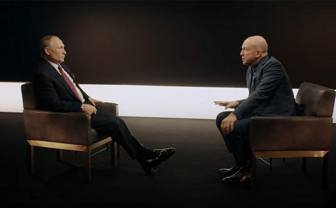 Ông Putin lần đầu hé lộ chuyện ít biết về cơn 'địa chấn chính trị' ở Moscow