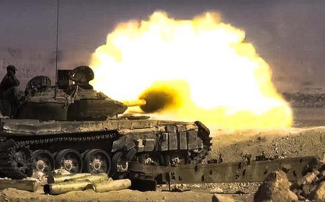 Phiến quân đánh rát, lính Syria bỏ cả chiến tăng T-72 để tháo chạy