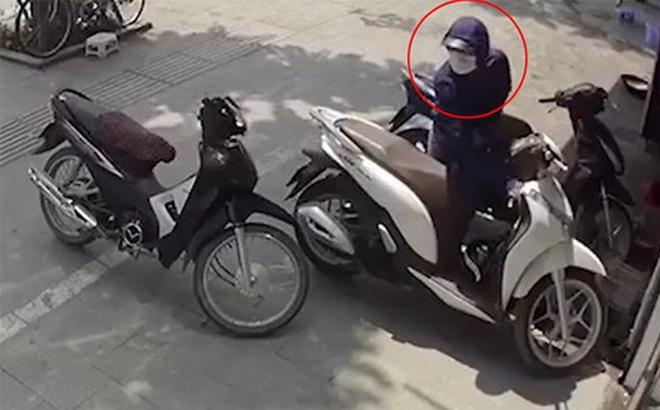 'Siêu trộm' bị bắt khi lẻn vào bãi xe Huyện ủy