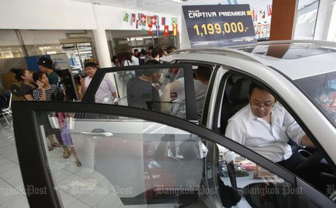 Chevrolet bán tháo xe rẻ còn 50%: Người đổ xô đi mua, người đòi kiện, Chính phủ khuyên đừng ham rẻ mà vội xuống tiền