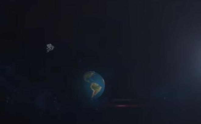 """Trái Đất """"tóm"""" thiên thạch bay ngang qua làm Mặt Trăng của mình"""