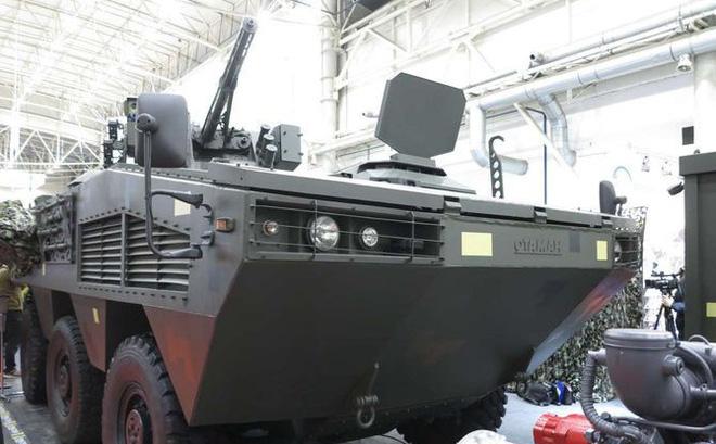 [ẢNH] Rũ bỏ thiết kế truyền thống Liên Xô, Ukraine ra mắt xe bọc thép chuẩn NATO