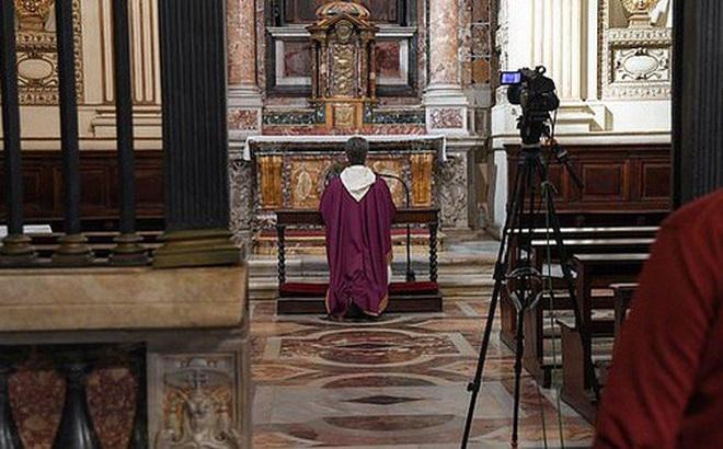 Ý: Đi thăm bệnh nhân Covid-19, ít nhất 18 linh mục tử vong