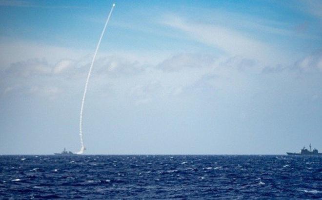 Hải quân Mỹ phóng tên lửa: Tín hiệu cảnh báo Trung Quốc?