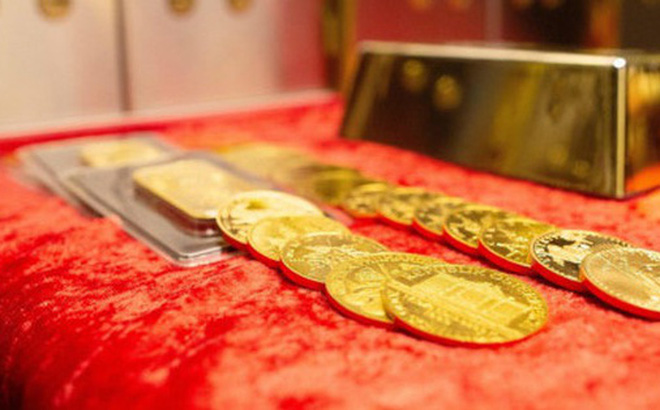 Nhà đầu tư bán mạnh, giá vàng sụt sâu