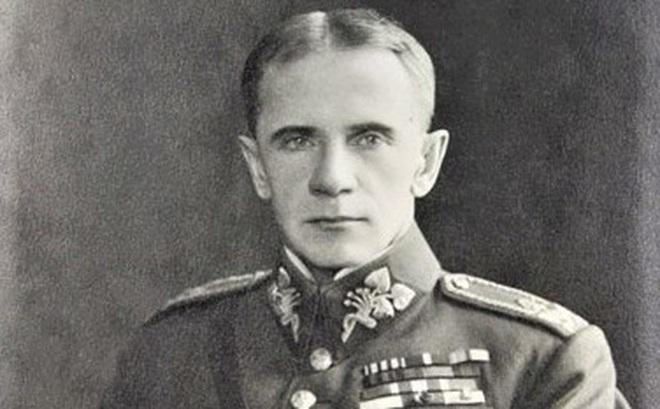 Sergei Wojciechowski - Vị tướng đầy cá tính của 3 quân đội