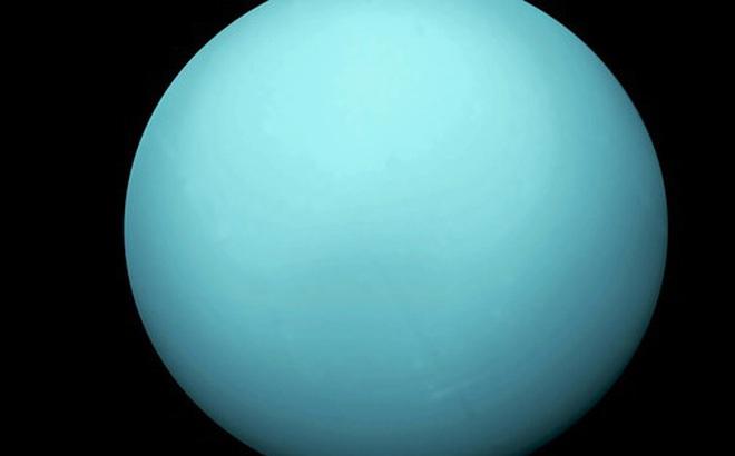 """Sốc: hành tinh xanh lơ trong Hệ Mặt trời đang """"biến hình"""""""