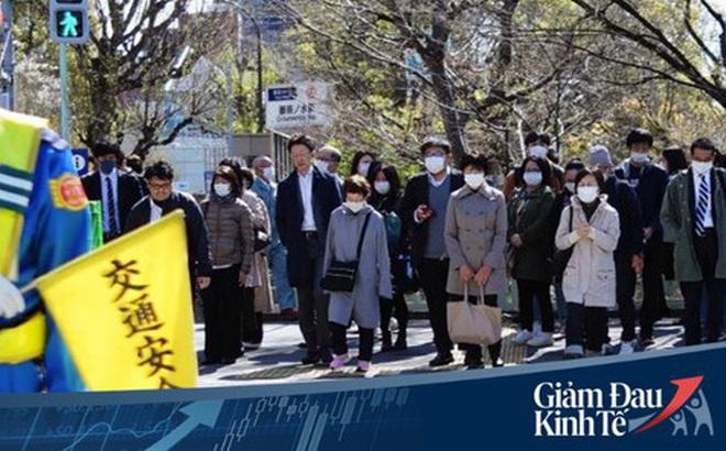 Số ca nhiễm Covid-19 ở Nhật tăng vọt, chính phủ khuyến khích ở nhà nhưng vì sao người lao động vẫn ùn ùn kéo đến sở làm?