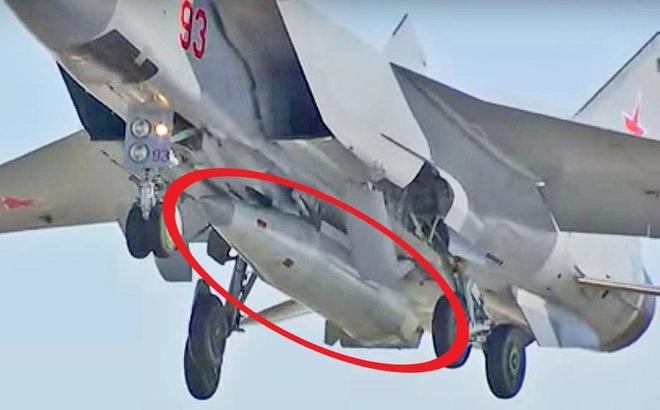Nga tung dàn vũ khí uy lực hàng đầu trong ngày đặc biệt