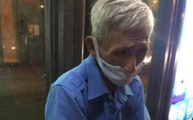 Được cộng đồng mạng giúp đỡ sau khi mất việc, bác bảo vệ già ở Sài Gòn xúc động: