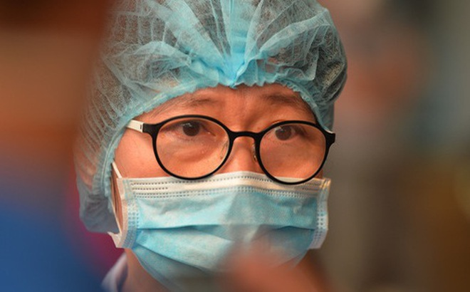 """Nam bác sỹ đầu tiên nhiễm Covid-19 khỏi bệnh: """"Bạn ấy luôn áy náy khi nhiễm bệnh, chỉ lo lắng cho đồng nghiệp"""""""