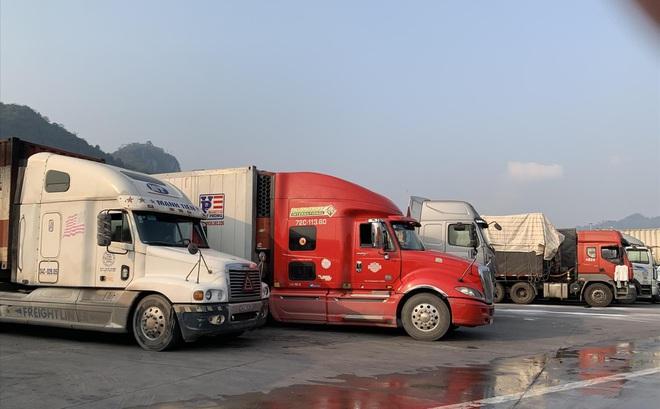 Trung chuyển ở cửa khẩu Lạng Sơn: Doanh nghiệp kêu bị 'bắt chẹt'