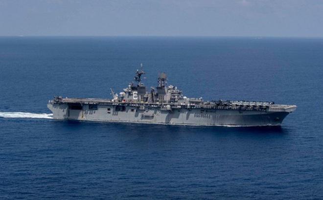 Tàu chiến đổ bộ Mỹ tiến về vùng biển có nhóm tàu Hải Dương 8 của Trung Quốc