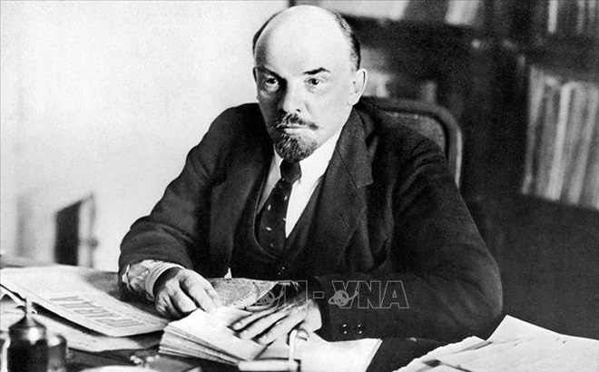Tình yêu sách và ngoại ngữ của Lenin