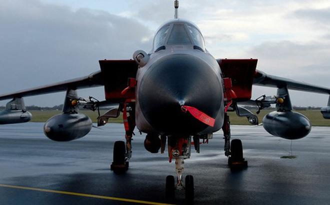 """Chính trường Đức """"gay gắt"""" về thương vụ mua tiêm kích hạt nhân Mỹ F-18"""