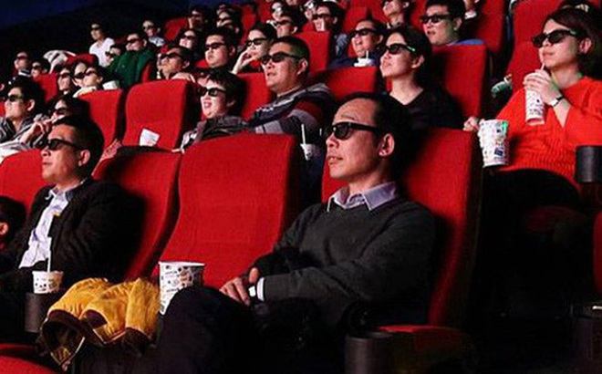 Các rạp chiếu phim ở Trung Quốc 'ngắc ngoải' vì Covid-19: Phải bán bỏng ngô không kèm vé, cho thuê rạp làm chỗ chụp ảnh cưới để cầm cự