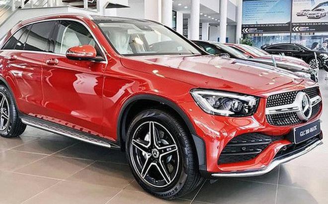 Không nằm yên như xe phổ thông, Mercedes-Benz, BMW và Audi ganh đua gay gắt tại Việt Nam: Sẵn hàng nhiều xe mới, 'option' ngày càng xịn, mặt bằng giá giảm sâu